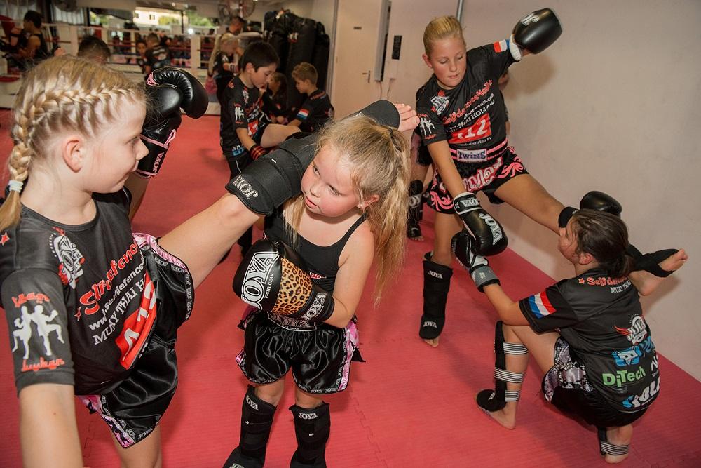 selfdefence4all-kickboksen-voor-meisjes
